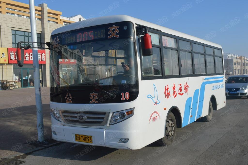 泰安公交车几点�z/i_依安泰安新城依安5路公交车
