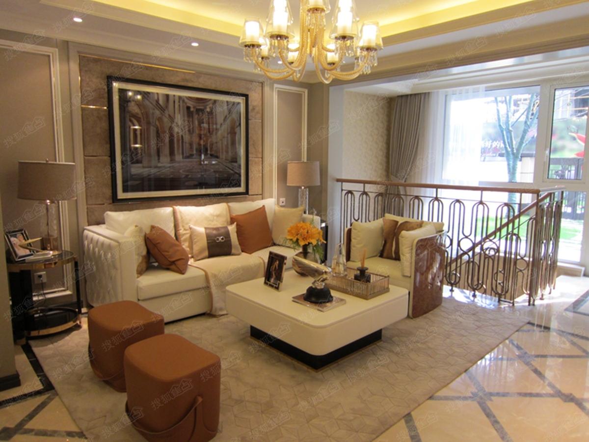 嘉宝梦之缘景庭花园洋房一楼样板房-客厅-上海搜狐
